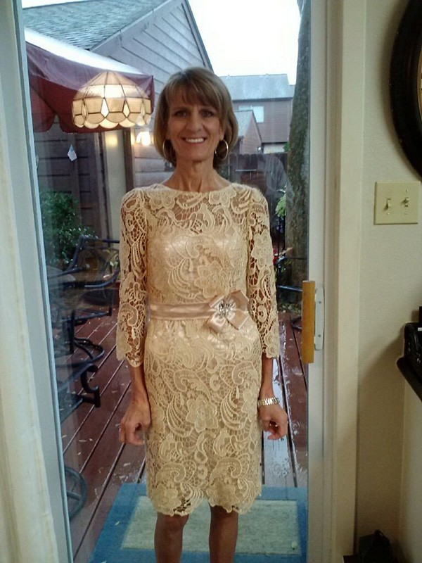 Ivory Lace Sheer Neck Sheath/Column Knee-Length Mother of the Bride Dresses