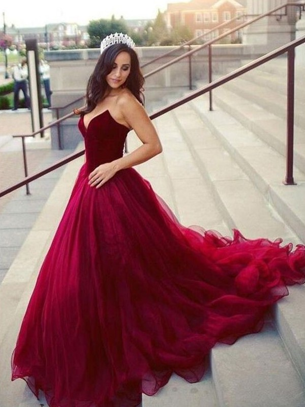 Burgundy Tulle Sweetheart Ball Gown Court Train Dresses