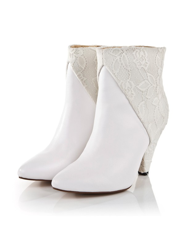 Bonnyin White Cattlehide Leather Pointed Toe Shoes