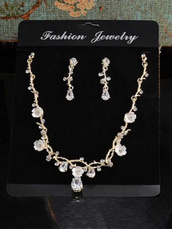 Unique Alloy With Rhinestone Ladies Jewelry Set