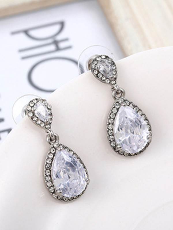 Gorgeous S925 Silver With Crystal Ladies Earrings