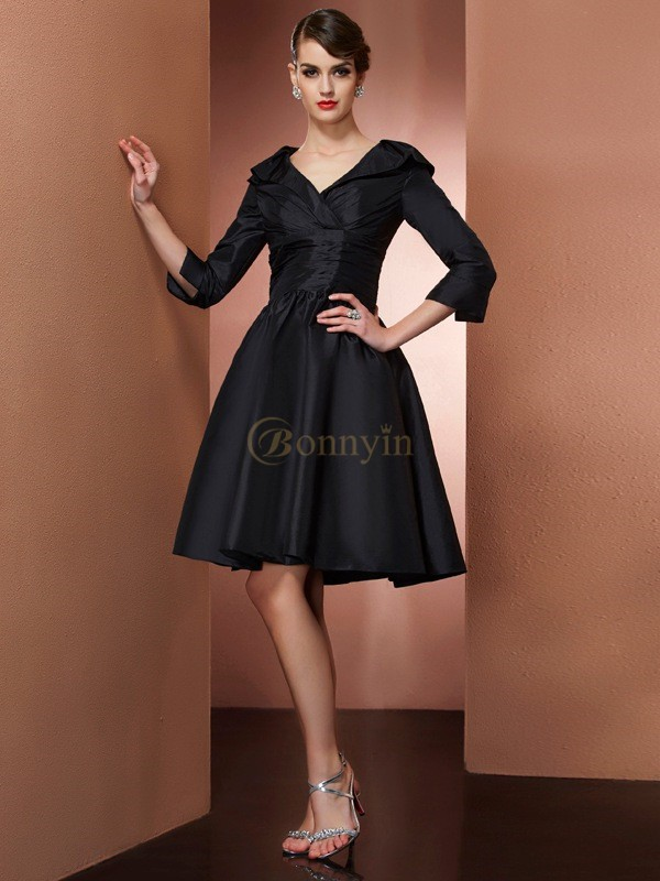 Black Taffeta V-neck A-Line/Princess Short/Mini Mother of the Bride Dresses