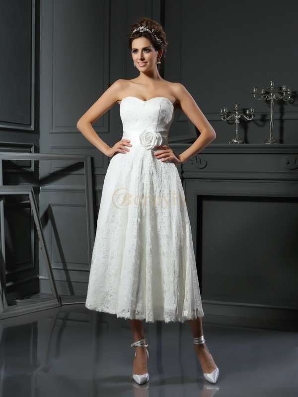 Ivory Lace Sweetheart A-Line/Princess Tea-Length Wedding Dresses