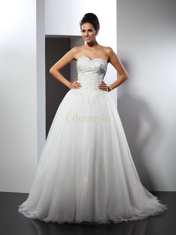 White Net Sweetheart A-Line/Princess Chapel Train Wedding Dresses