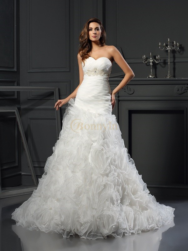 Ivory Organza Sweetheart A-Line/Princess Chapel Train Wedding Dresses