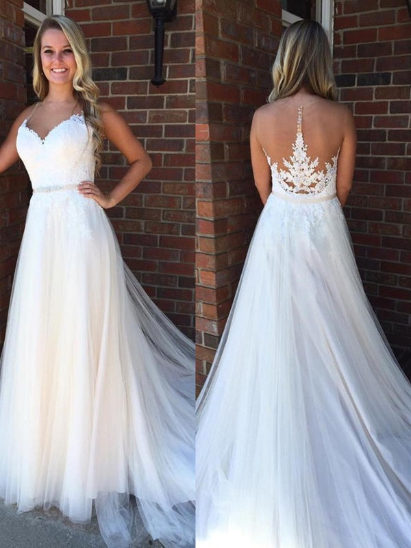 White Tulle Scoop A-Line/Princess Court Train Wedding Dresses