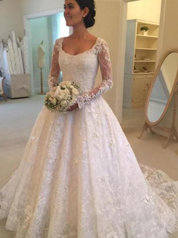 Ivory Lace Scoop Ball Gown Cathedral Train Wedding Dresses