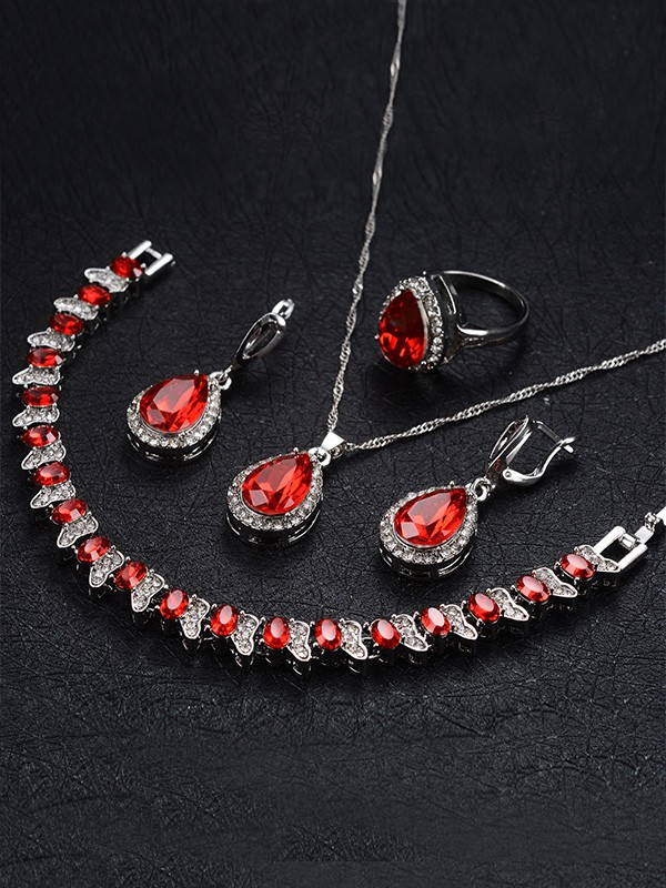 Occident Graceful Alloy With Rhinestone Hot Sale Jewelry Set