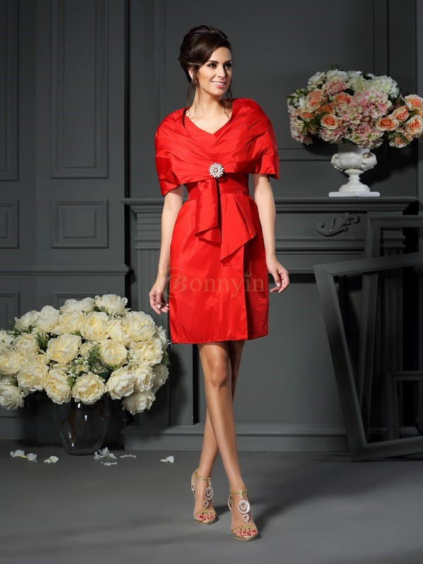 Red Taffeta V-neck A-Line/Princess Short/Mini Mother of the Bride Dresses