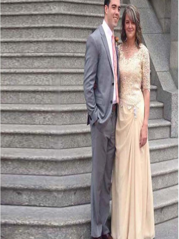 Champagne Chiffon Scoop Sheath/Column Floor-Length Mother of the Bride Dresses