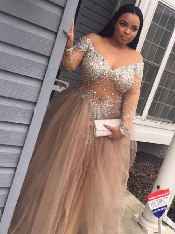 Champagne Tulle Off-the-Shoulder Ball Gown Floor-Length Prom Dresses