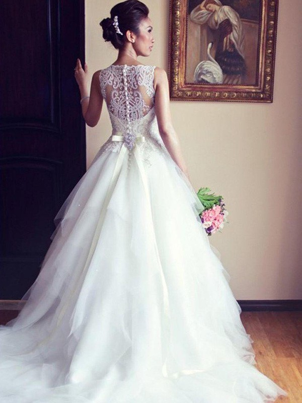 Ivory Tulle Scoop A-Line/Princess Chapel Train Wedding Dresses