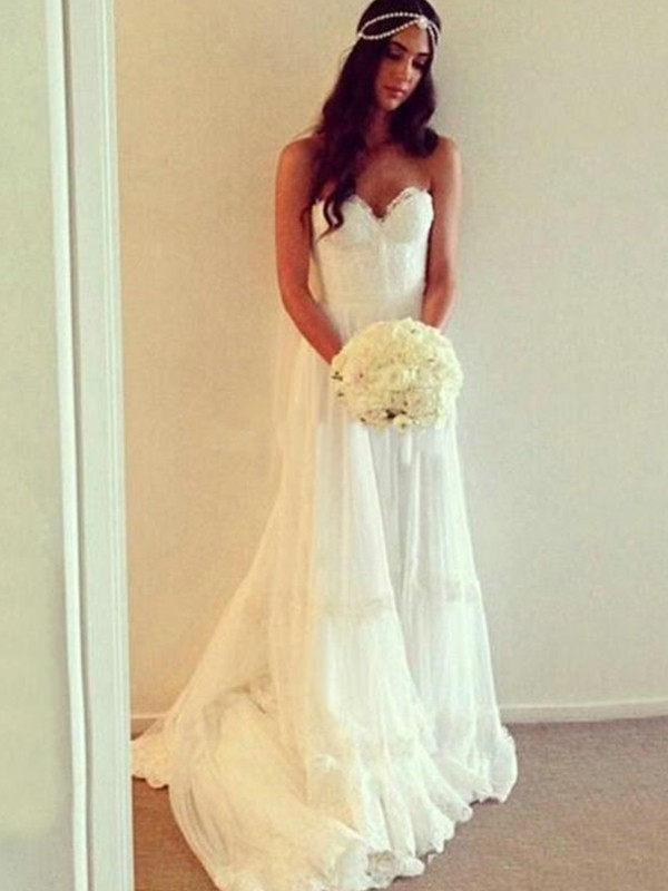 Ivory Tulle Sweetheart A-Line/Princess Court Train Wedding Dresses