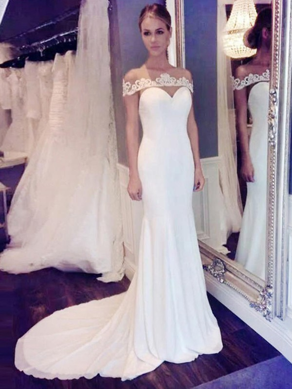 Ivory Chiffon Scoop Trumpet/Mermaid Court Train Wedding Dresses